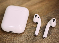 苹果装逼神器大卖 AirPods一副难求 黄牛炒到2000块